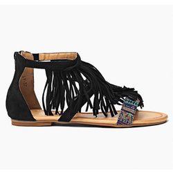 Christine Boho - czarne sandałki z frędzlami - czarny