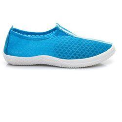 BŁĘKITNE BUTY DO WODY - odcienie niebieskiego