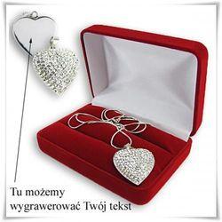 Grawerowane srebrne serduszko z cyrkoniami na łańcuszku