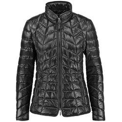 Modnie pikowana kurtka