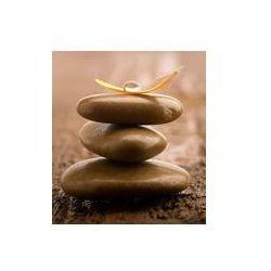 Fotoboard na płycie 50 x 70 cm - Stos brązowych masażu kamienie na drewnianym tle