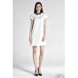 Kremowa Sukienka z Kontrastowym Kołnierzykiem